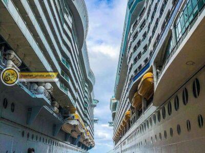 عکس دیدنی از پهلوگرفتن دو کشتی غول پیکر رویال در کنار هم