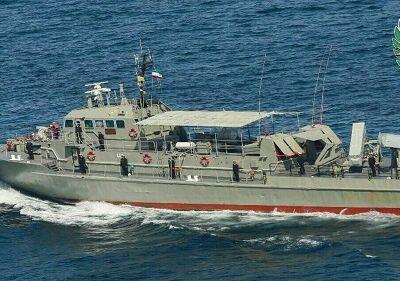 تشییع پیکر مطهر شهدای نیروی دریایی ارتش در بندر کنارک