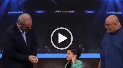 قول جواد خیابانی به مهمان 8 ساله برنامه اعجوبه ها